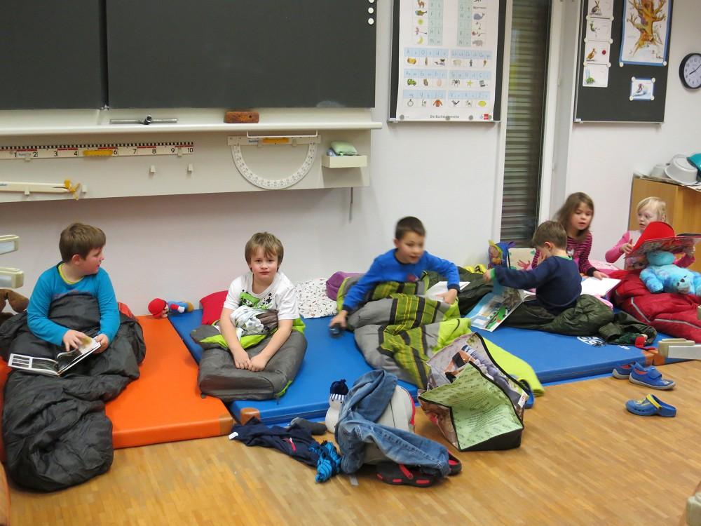 Schule Schwaderloch übernachten Im Schulzimmer